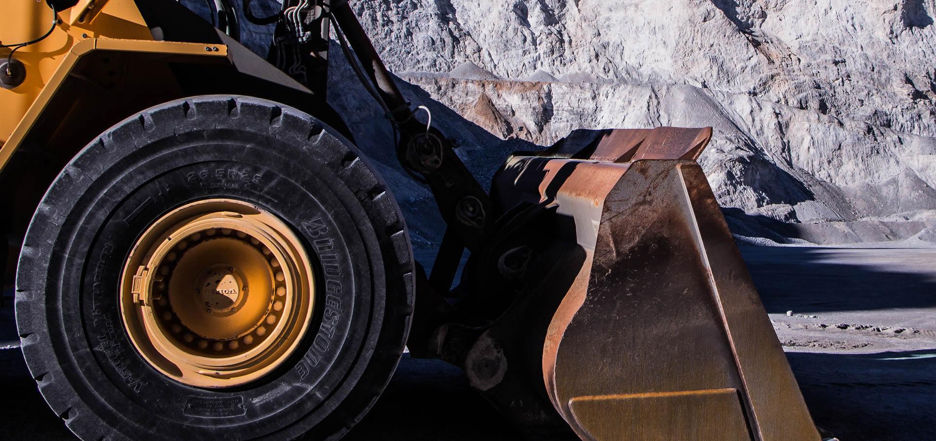 áridos-cantera-piedra-fabricación-cuarzo-extracción